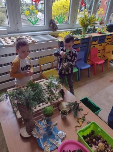deti pri stole