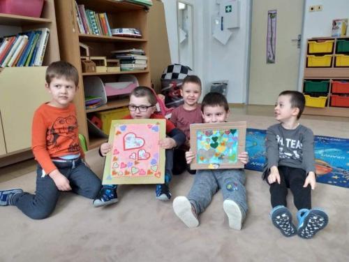 deti s výtvorom