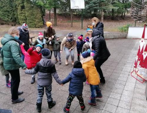 tanec v kruhu 2