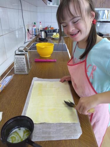 Deň jablka-príprava jablčného závinu