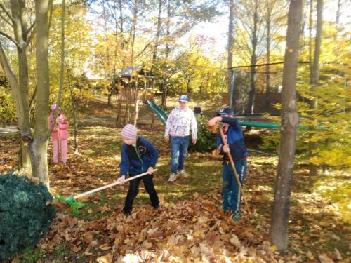 Jesenné upratovanie v školskom klube detí